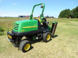 JOHN DEERE 8400 TRIPLE CYLINDER MOWER 4X4  for sale