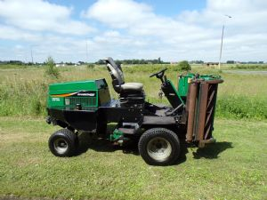 RANSOMES HIGHWAY 2130 TRIPLE CYLINDER RIDE ON MOWER for sale