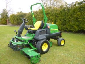 JOHN DEERE 8400 TRIPLE REEL CYLINDER MOWER for sale