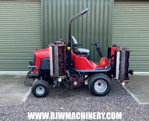 Toro T4240 cylinder ride on mower, 5 gang, 2014 ~ 2334 hrs for sale